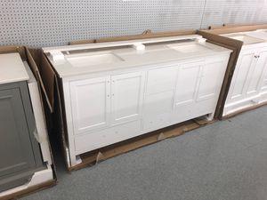 "72"" bathroom vanity set quartz top double sink brand new!!!!! for Sale in Federal Way, WA"