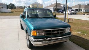 Ford ranger xlt like new for Sale in Kissimmee, FL