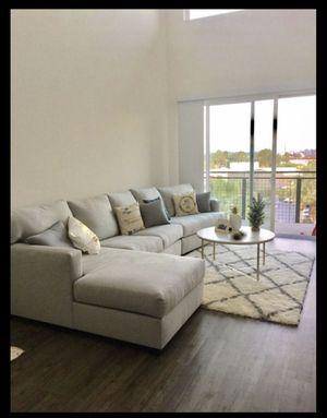 Grey Sectional Couch *LIKE NEW* for Sale in Fullerton, CA