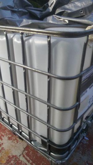 275 gallon tank for Sale in Miami, FL