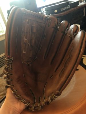 "Wilson Optima Gold 13"" Softball glove for Sale in Annandale, VA"