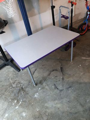 Kids table no chairs excellent condition for Sale in Garland, TX
