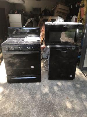 Brand new never used whirlpool kitchen appliances for Sale in San Antonio, TX
