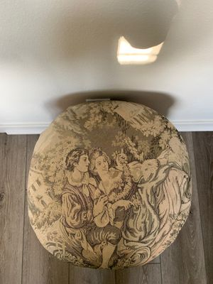 Small sofa/ cushion stool, 18x14, rare and original 💥read description 💥. I HAVE ONE MORE, CHECK IT OUT! I will give you half off if you buy both! for Sale in Costa Mesa, CA