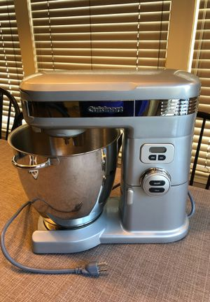 Cuisinart 7.0 Quart Stand Mixer SM-70 with all NEW attachments for Sale in Boxford, MA