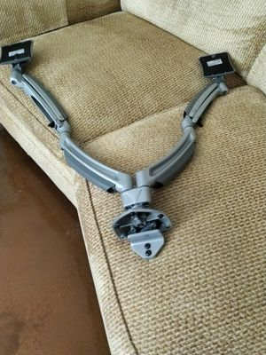 Chief K1D220S Dual monitor mount for Sale in Las Vegas, NV