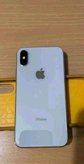 Iphone x for Sale in Alexandria, IN