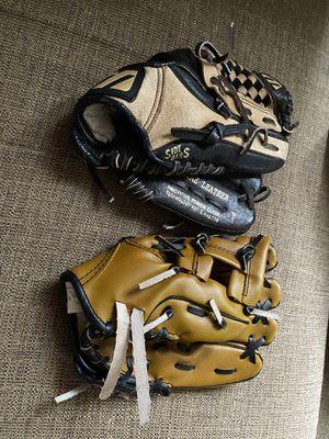 Kid's baseball gloves for Sale in East Hartford, CT