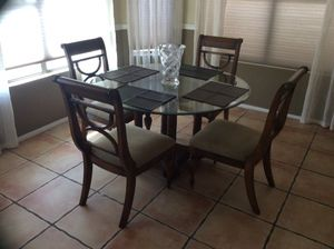 60 Dining table with 4 chairs for Sale in Phoenix, AZ