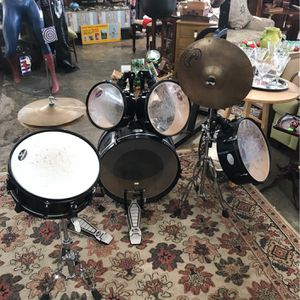 2009 Pearl kid size drum set for Sale in Newport News, VA