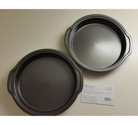 "Pampered Chef Round Cake Pan 9"" Set of 2 for Sale in Cape Coral,  FL"