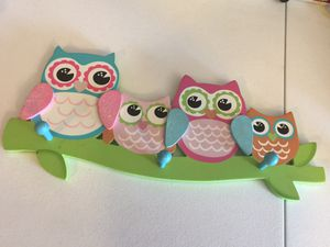 Owl room decor with hook rods for Sale in Albuquerque, NM