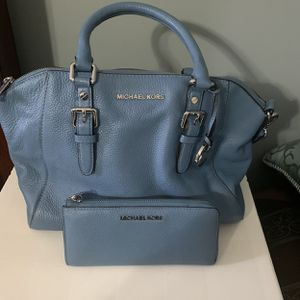 Blue Michael Kors Tote Bag With Matching Wallet for Sale in St. Louis, MO