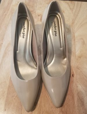 9 Comfort Plus (by Predictions) Janine Point Heel for Sale in Long Beach, CA