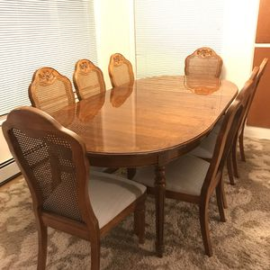 Thomasville High End Designer Oval Dining Table for Sale in Bellevue, WA