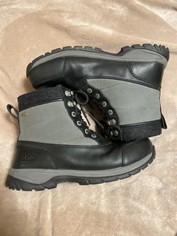 MENS UGG ADRIONDACK Boots Size 11 EUC for Sale in Raleigh,  NC