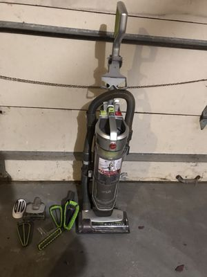 Hoover Air Lift Deluxe UH72511 Upright Vacuum - Bagless - HEPA for Sale in Orland Park, IL