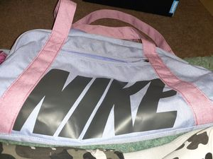 NIKE DUFFLE BAG for Sale in Nashville, TN