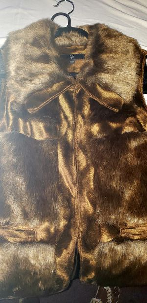 Womens faux fur vest for Sale in Tampa, FL