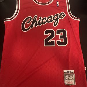 Michael Jordan 23 Cursive Chicago Bulls Jersey for Sale in Los Angeles, CA
