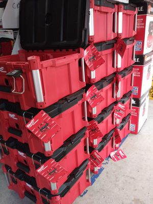 MILWUAKEE PACK OUT TOOL BOX BRAND NEW EACH POR UNA for Sale in San Bernardino, CA