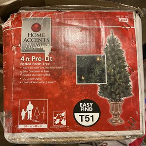 4 Ft Christmas Tree for Sale in Redwood City, CA