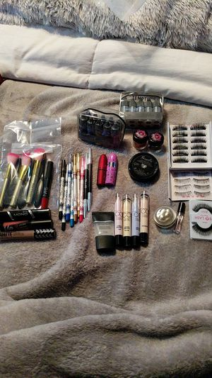 Make-up Bundle for Sale in Los Alamitos, CA