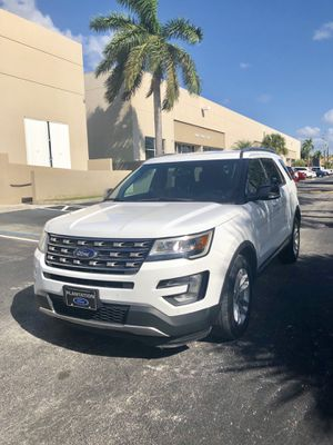 2017 Ford Explorer $4000 down payment for Sale in Miami, FL