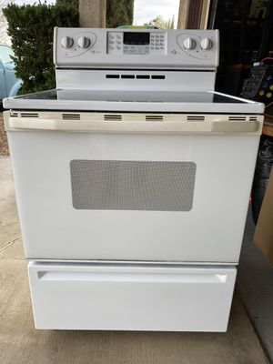 Kitchen Appliance Package for Sale in Apple Valley, CA