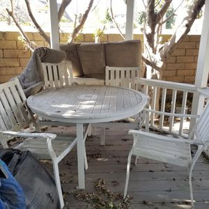 Free Metal Patio Table & 4 Chairs for Sale in Huntington Beach, CA