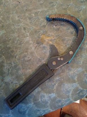 OIL FILTER WRENCH for Sale in Columbus, OH