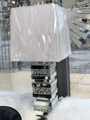 Glam Mirrored lamp for Sale in St. Louis, MO