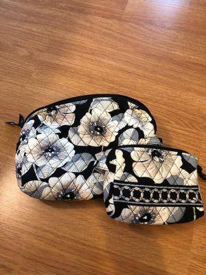 Vera Bradley makeup bags. Waterproof for Sale in Glassboro, NJ