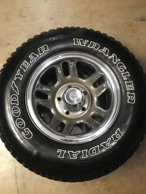 P235/75R15 5x5.5 wheels Goodyear for Sale in Ontario, CA