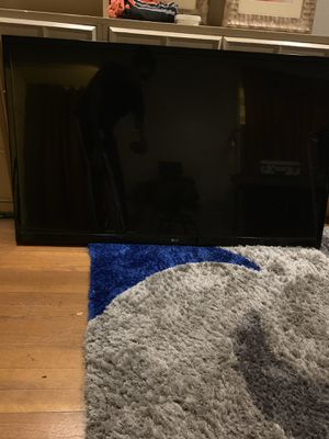 50inch TV LG + Wall Mount for Sale in Fresno, CA