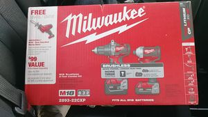 Milwaukee m18 brushless combo kit includes hammer drill, impact drill and sawzall for Sale in Federal Way, WA