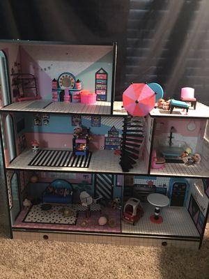 Lol doll house just got it a few months ago still in good shape for Sale in Houston, TX