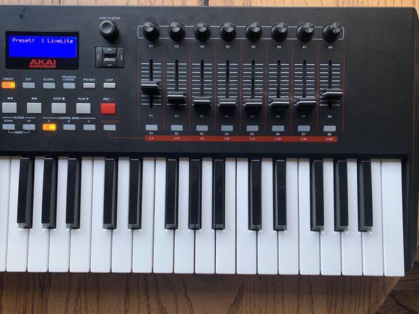 Akai MPK261   61-Key USB MIDI Controller for Sale in Nashville, TN - OfferUp