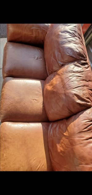 Comfortable leather couch! for Sale in Vancouver, WA