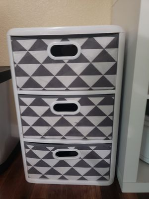 Plastic drawer organizer for Sale in Riverview, FL