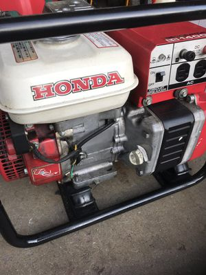 Honda generator. 1400 steady watts. Super quite super reliable. 12v. DC CHARGER LO OIL alert for Sale in Waterford Township, MI