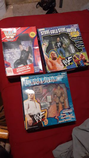 Wwf stonecold undertaker and the rock collectible action figures for Sale in Baltimore, MD