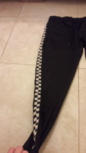 Vans checkered pants size small for Sale in Redding, CA