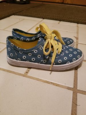Toddler Girls Size 10 Shoes for Sale in Aurora, IL