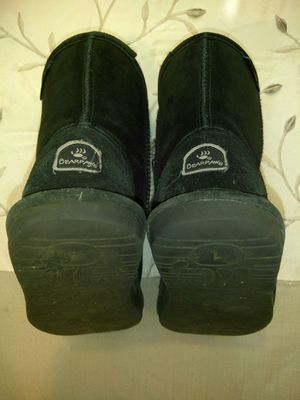Bearpaw boots for girls size 1 for Sale in Simi Valley, CA