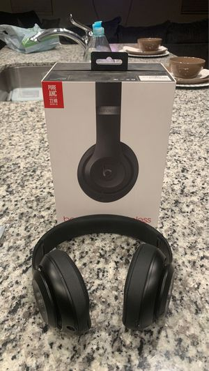 Beats Studio 3 Wireless for Sale in Cherry Valley, CA