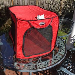"""Large Soft Sided Folding Portable Dog Kennel 36"""" L x 21.5""""W x 20.75""""T for Sale in University Place,  WA"""