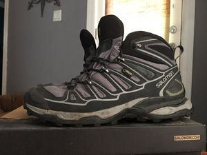 Women's Salomon Hiking Boots *WATERPROOF* for Sale in Tampa, FL