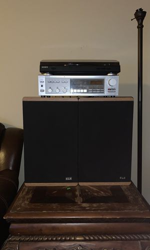 Record player, amplifier, vintage speakers combo for Sale in Glendale, AZ