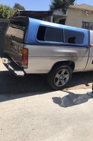 Para una camioneta chica for Sale in Signal Hill, CA
